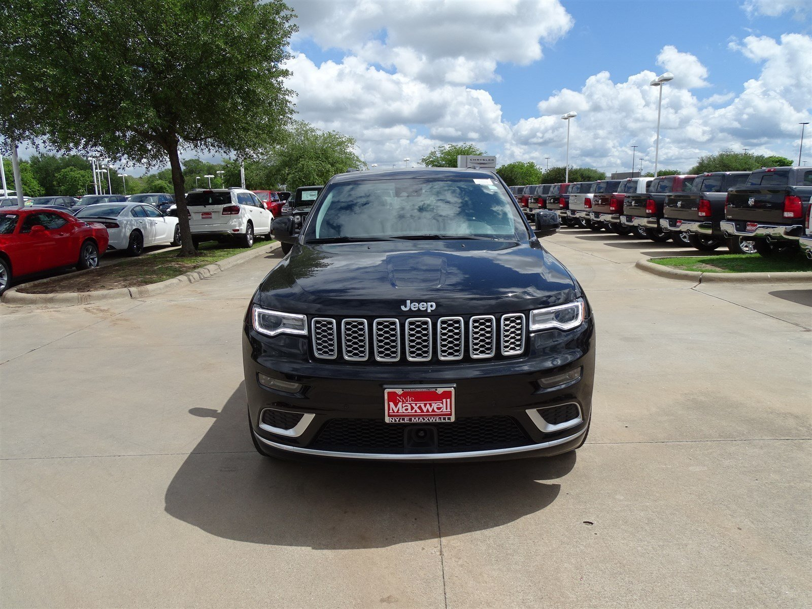 New 2017 Jeep Grand Cherokee Summit Sport Utility In Austin Hc659444 Nyle Maxwell Chrysler